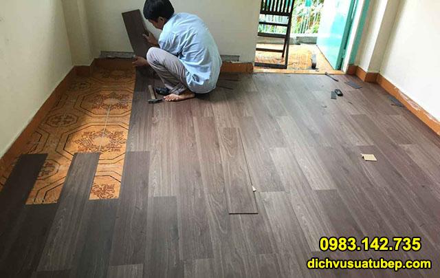 Thợ ghép sàn gỗ