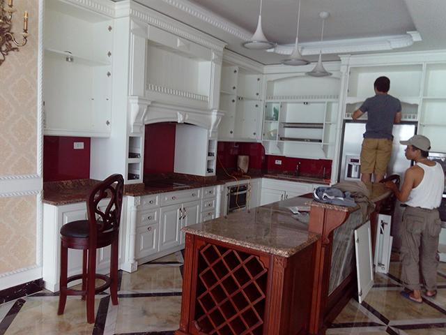 thợ sửa chữa tủ bếp