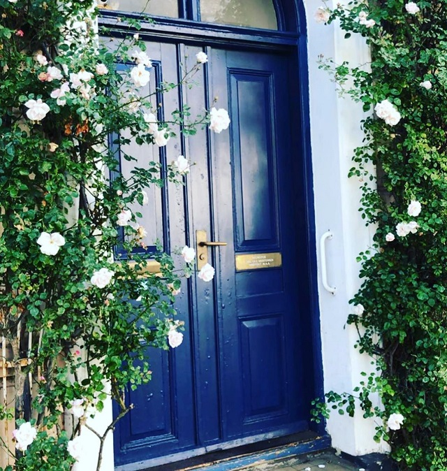 màu sơn cửa gỗ