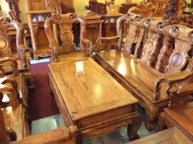 Bộ bàn ghế phòng khách làm từ gỗ cẩm lai
