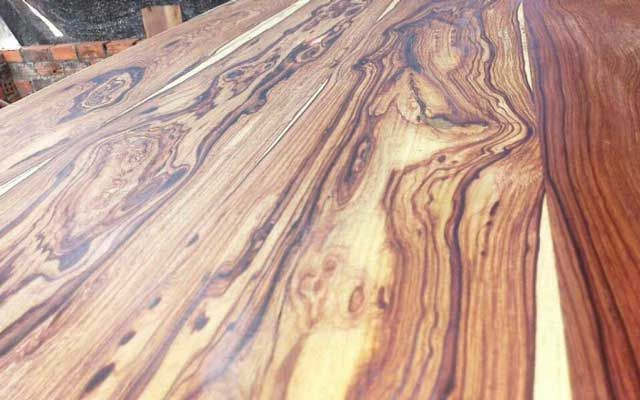 Đặc điểm của gỗ Cẩm Lai là gì?