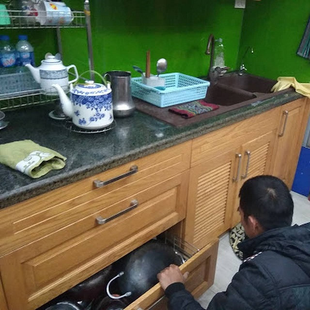 Dịch vụ sửa tủ bếp tại Long Biên
